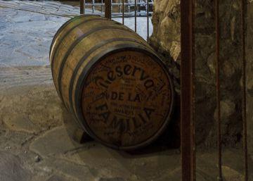 Cava de bodegas José Cuervo donde envejece el tequila.