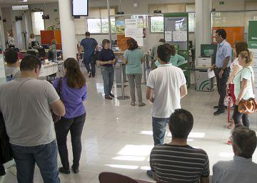 El paro crece en septiembre en 22.801 personas pese al aumento del empleo