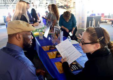 EE UU modera la creación de empleo en septiembre y eleva el paro