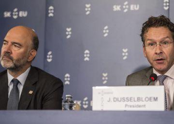 """Guindos critica la """"actitud a la defensiva"""" de Europa con los bancos"""