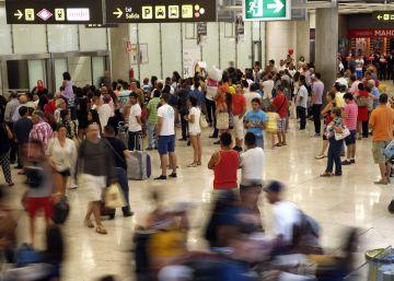 El tráfico aéreo batirá este año el máximo de 2007 tras un verano récord