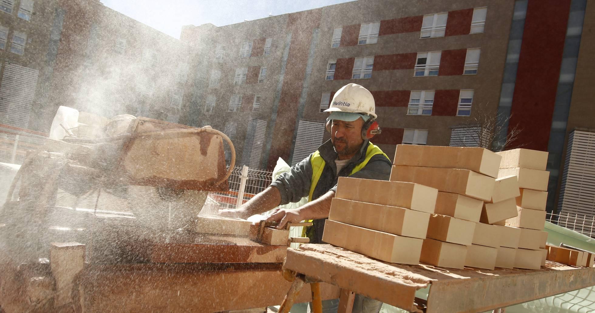 La venta de vivienda crecerá un 6,5% y el precio un 3,5% en 2017, según BBVA