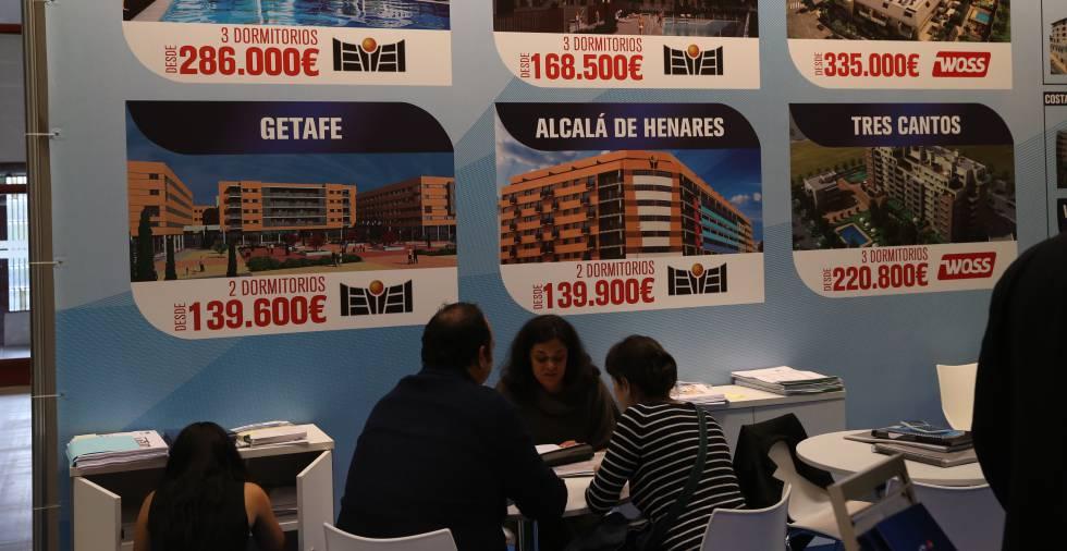 La feria inmobiliaria de barcelona abre sus puertas con for Ferias barcelona hoy