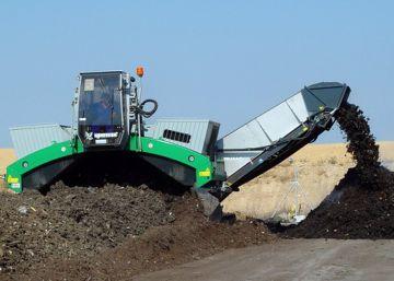 La recogida y transporte de residuos supone el 36% de la actividad del sector.
