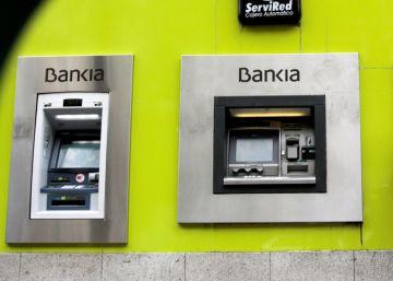 Bruselas pide a España reformas y avances en la privatización de Bankia