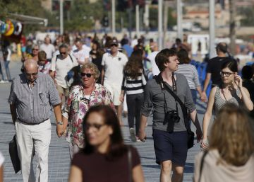 Blame it on the sunshine: Spain breaks summer tourism records