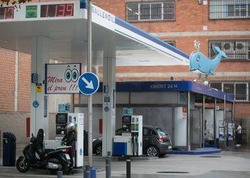 Una osada gasolinera 'low cost'