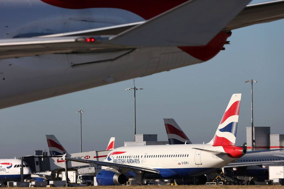 Aviones de British Airways en el aeropuerto de Heathrow, Londres