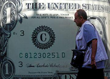 El dólar toca frente al euro su nivel máximo en 14 años