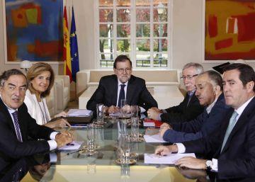 Los agentes sociales piden más ambición a Rajoy para bajar del 10% de paro