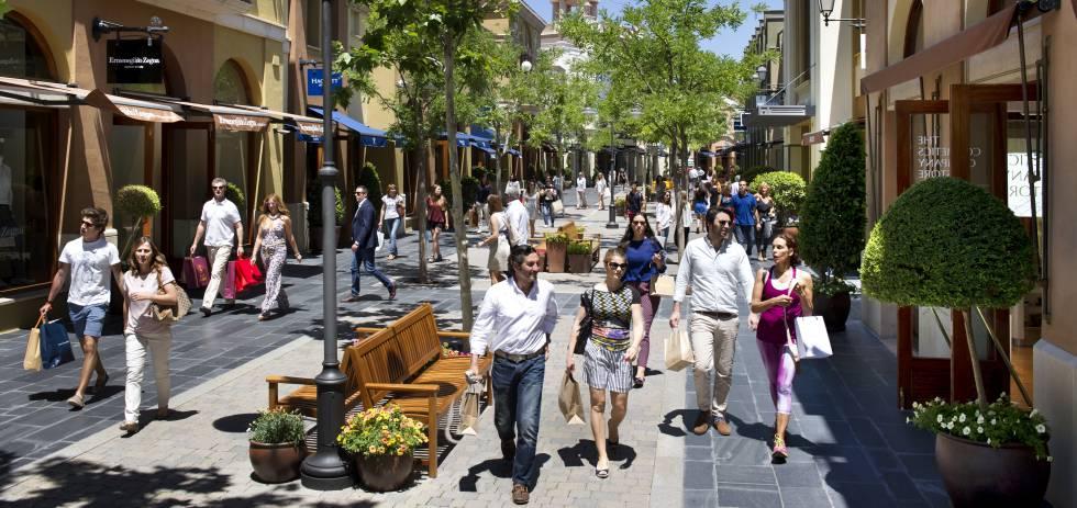 La due a de los outlets de lujo econom a el pa s for Las rocas outlet barcelona