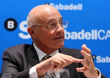 Moody's eleva la calificación del Sabadell y lo saca del 'bono basura'