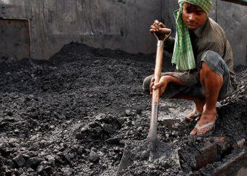 El consumo de carbón entra en una inédita fase de estancamiento en el mundo