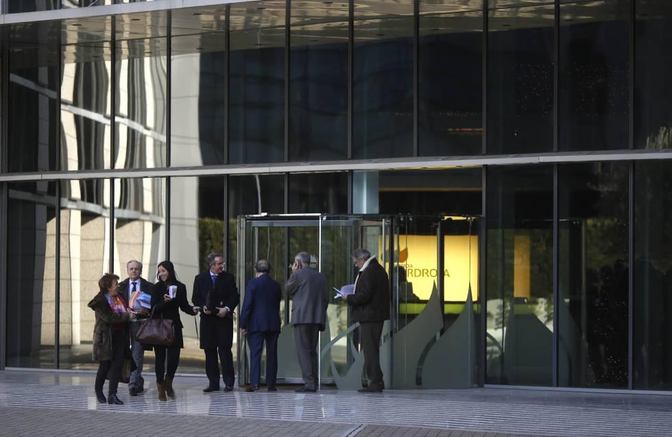 Trabajo y tiempo libre el eterno debate de la conciliaci n econom a el pa s - Oficinas de iberdrola en madrid ...