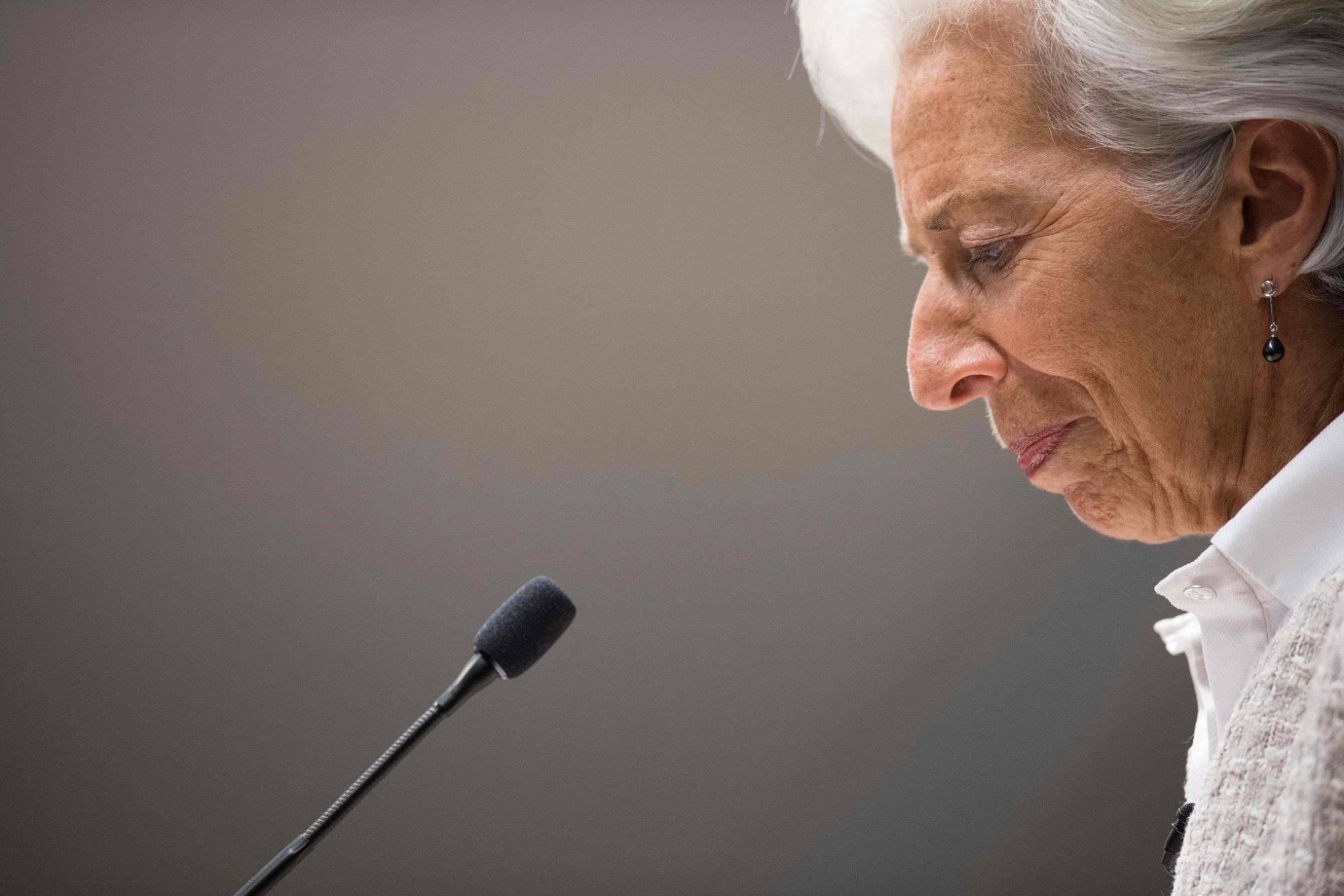 El FMI pide a España subir el IVA y revisar el gasto en Educación y Sanidad 1481621122_319472_1481623913_noticia_normal_recorte1