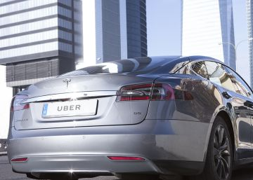 Uber rolls out premium Tesla taxi service in Madrid