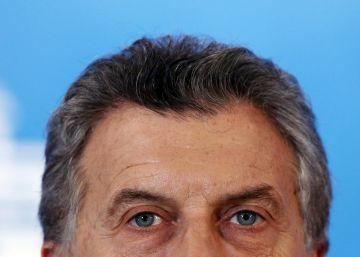 Com alto apoio popular, Macri enfrenta o desafio de tirar a economia argentina da recessão