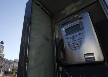 El Gobierno concede un año de gracia a las cabinas telefónicas