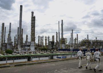 La interminable crisis política paraliza la economía de Brasil