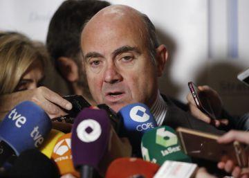 Guindos prepara otra ley hipotecaria ante la falta de transparencia