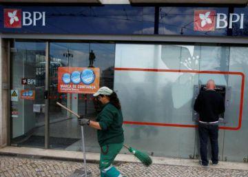 CaixaBank inicia su opa sobre el banco luso BPI y planea ajustes