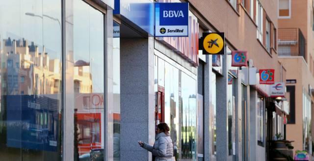 Sucursales de varios bancos juntos en Madrid