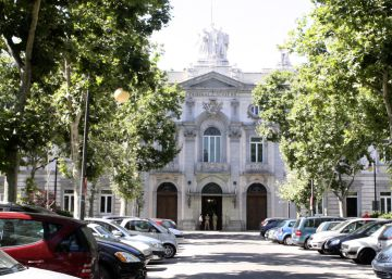 "Spain's banks must give clients full refund for ""abusive"" mortgage clauses"