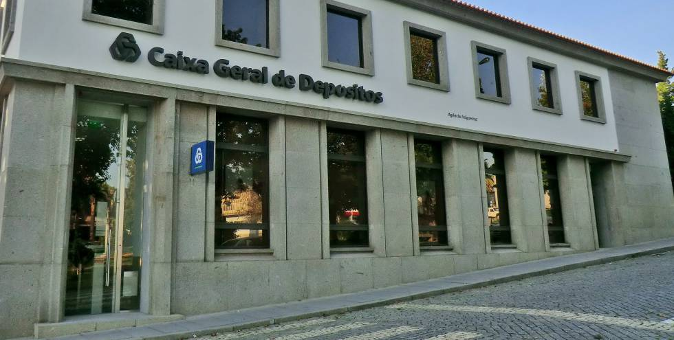 El primer banco portugu s pierde millones econom a for Banco espirito santo oficinas