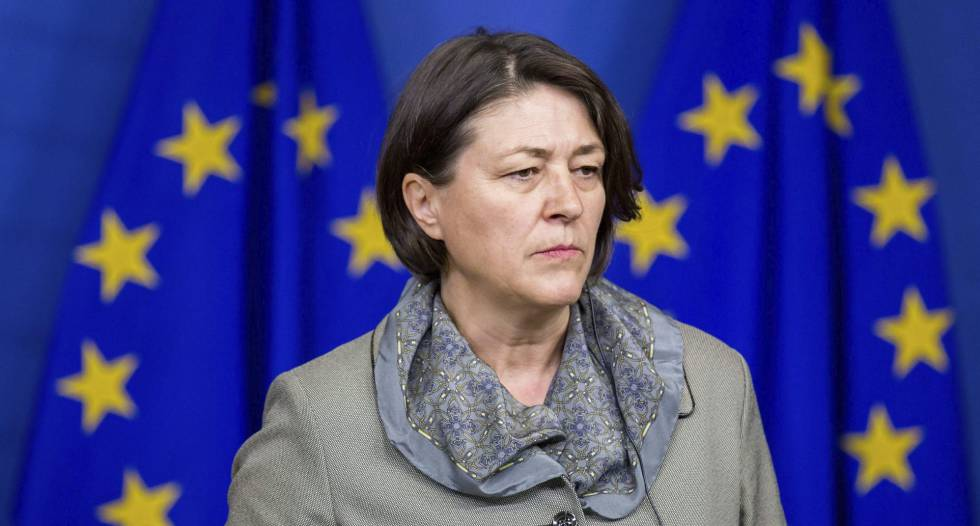 La comisaria europea de Transportes, Violeta Bulc.