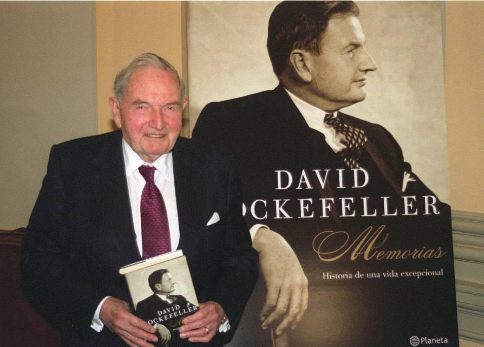 El fallecido financiero estadounidense David Rockefeller, cuando presentó sus memorias en España en 204.