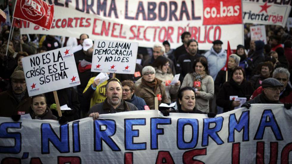 Protestas de empleados públicos en 2012 cuando les recortaron sus condiciones.