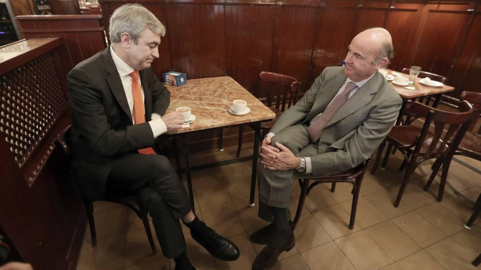 Luis Garicano, de Ciudadanos, y Luis de Guindos, ministro de Economía.