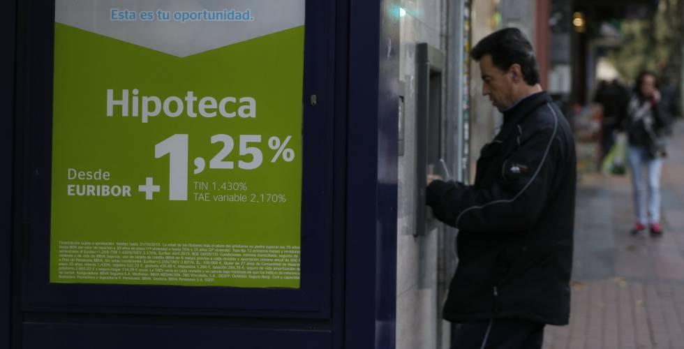 Bruselas lleva a España ante la justicia por no corregir la norma hipotecaria