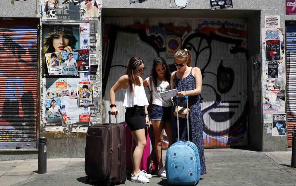 El demonio de los pisos tur sticos econom a el pa s for Pisos turisticos madrid