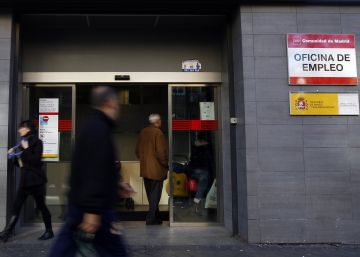 Easter hirings bring record monthly drop in unemployment to Spain