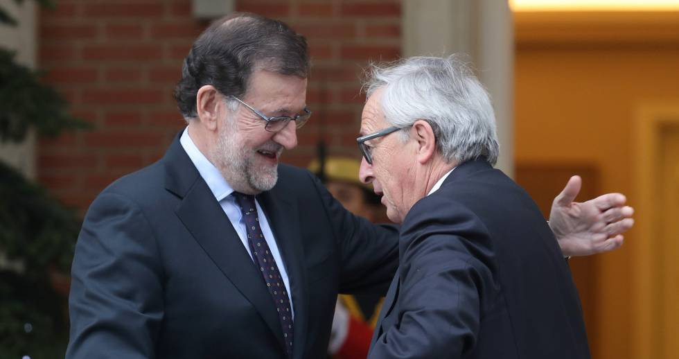 Spanish PM Mariano Rajoy with EU Commission chief Jean-Claude Juncker.