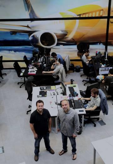 Diego Ruiz del Árbol y Raúl Gil, fundadores de Volvemos.org, empresa que ayuda a retornar talentos a España.