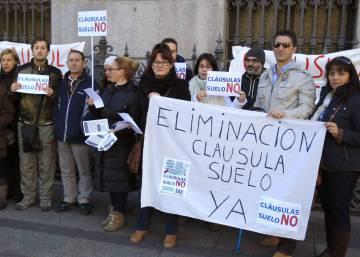 Abren los juzgados especializados en cl usulas suelo en for Manana abren los bancos en espana