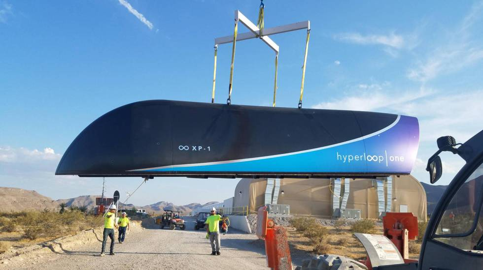 Adif y Virgin firman un protocolo para experimentar el hyperloop en Málaga