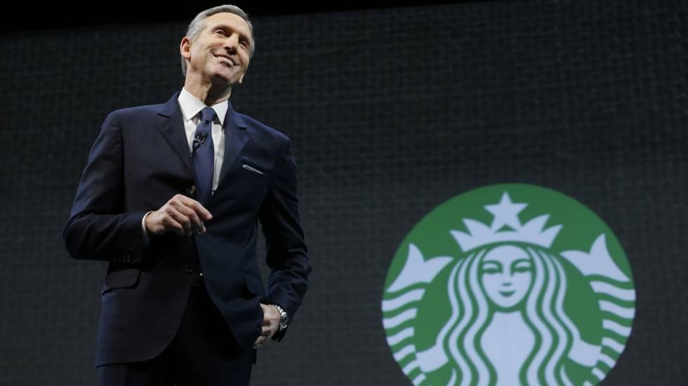 Presidente de Starbucks anuncia que abandonará su puesto