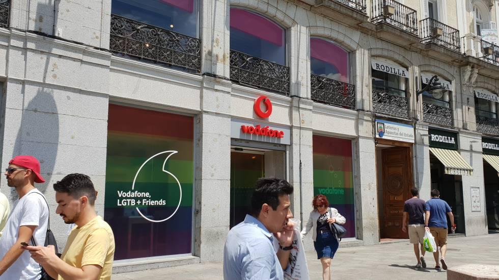 Vodafone responde a Telefónica: ofrece un año gratis de su paquete televisivo