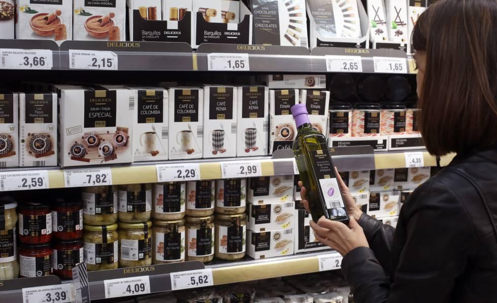 El grupo de supermercados Dia cae en bolsa por previsiones desfavorables