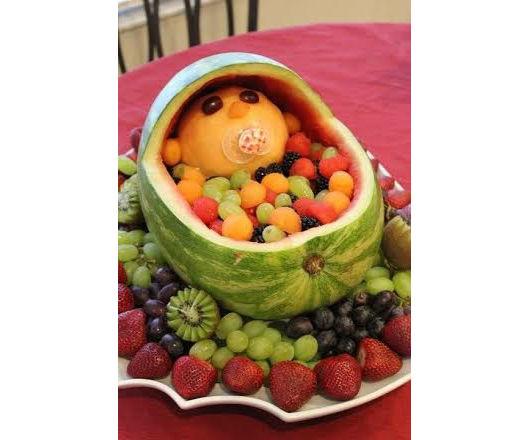 Nin?o fruta