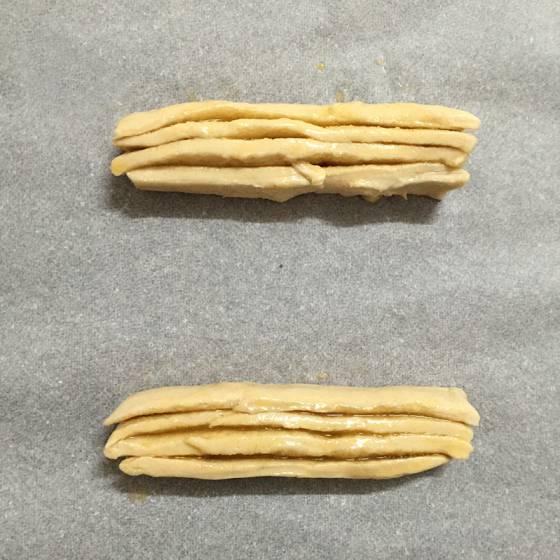 persianas de hojaldre con crema de mantequilla