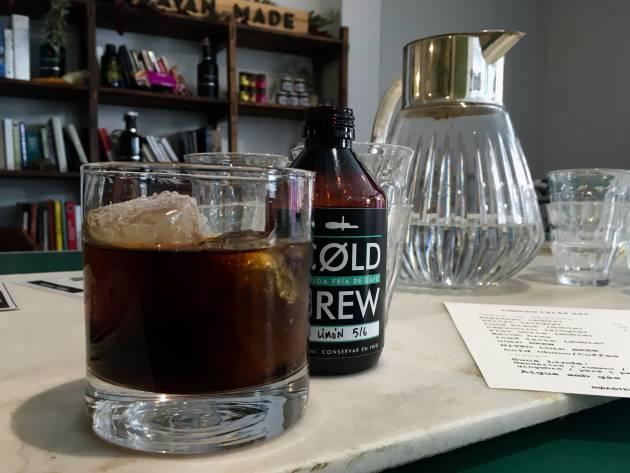 ¿Es un crimen el café con hielo?