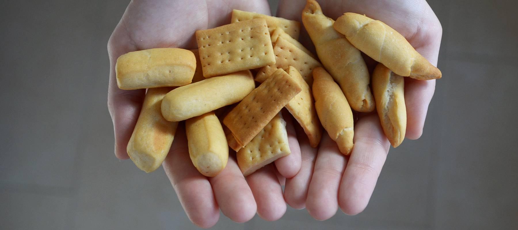 Picos, regañás y otros panes de picoteo