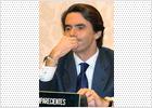 Aznar insiste en acusar a la oposición y a los medios de