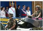 Los Reyes presiden en Sevilla el desfile militar por el Día de las Fuerzas Armadas