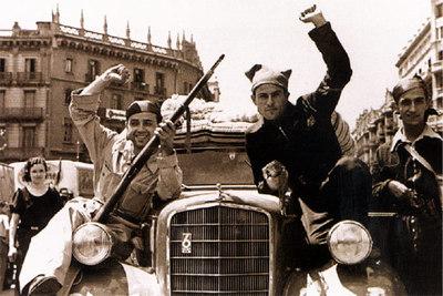 Republicanos parten de Barcelona a Zaragoza durante la Guerra Civil.
