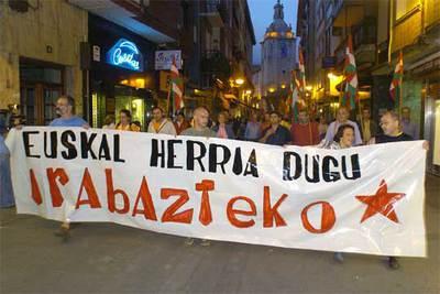 En la imagen, la manifestación con motivo del Gudari Eguna en Llodio (Vizcaya).